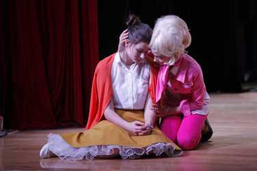 grease-sandy-and-frenchy